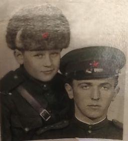 с племянником Юрой Евстафьевым (сыном полка)