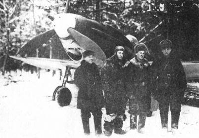Военная фотография, Василий Голубев второй слева