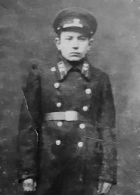 Евгений Голубев в форме ремесленного училища