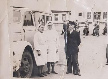 Крылов Макар Макарович работает водителем на станции скорой помощи (Миргород 1959)