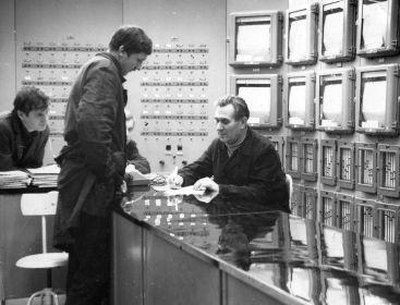 Федор Бецис на работе в лаборатории ВНИИНМ