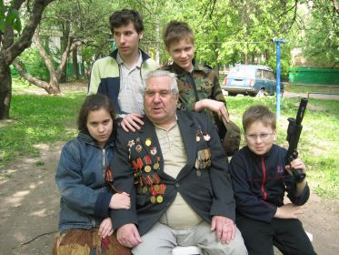 С любимым дедушкой, 9 мая 2008