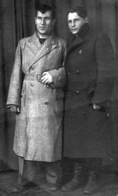 Федор Бецис (слева) с другом (довоенное фото)