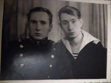 вместе со старшим братом - Медведевым Алексеем Андреевичем