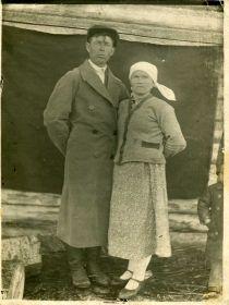 Сестра Анастасия Федоровна Голубева(Романова) со своим мужем Андреем Ивановичем