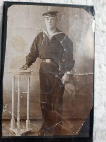 краснофлотец Балтийского флота  Кобецкий Виктор Андреевич