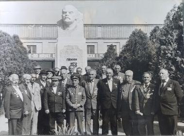 ветераны 390 ой   армянской дивизий