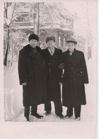 Дед со своими друзьями. г.Коломна, дом отдыха Металлист. 1960 год