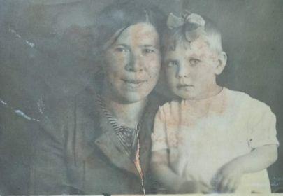 Жена Хлебникова Е.М. с дочерью Мариной