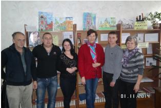 из сайта Злынковской районной библиотеки : дочь Карпова В.Д.дарит библиотеке книги своего отца