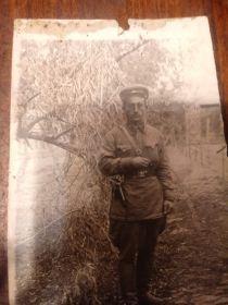 Погиб 12.12.1942 в Котельниковском р-не, у разъезда Небыковского