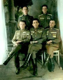 Слушатели Высшей офицерской школы самоходной артиллерии, г.Ораниенбаум 1946г.