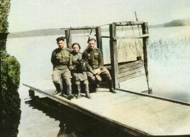слева-направо: Герой Советского Союза Тиньков Николай Сергеевич, Погорелова Надежда Кузьминична, Коц Дмитрий Прокофьевич