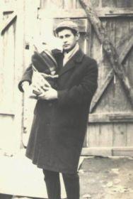 Сын Михаила Петровича Кондраков Владимир Михайлович с дочерью Яной, г. Ташкент, 1969 год.