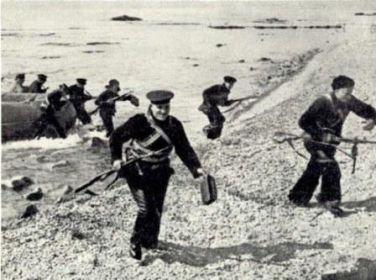 Морские пехотинцы на «Малой земле»