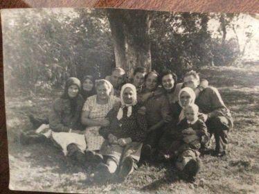 В период приезда Коберника Григория Ивановича в гости на родину в пос. Червоноармейск Житомирской обл в период примерно 1963 год