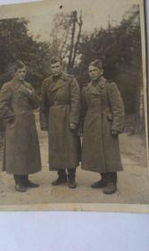 Мой дед с однополчанами ( крайний справа) в Манжурии, 1945 год