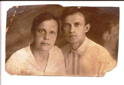 Виктор с мамой Гореловой-Зайцевой Ниной Федоровной