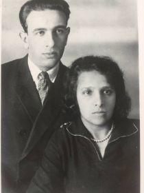 Лейба Яковлевич с супругой Любовью Яковлевной