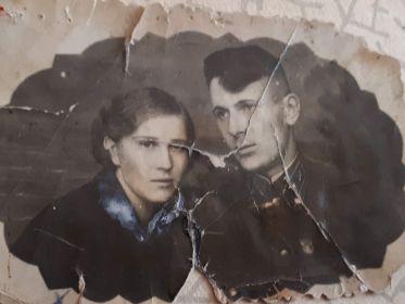Данилов В.В.с женой Даниловой (Карпенко)М.Г.1943 год.