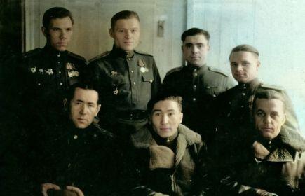 внизу первый слева- командир полка Баутин Иван Иванович