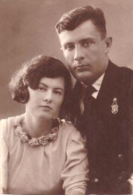 Лазаренко Виктор Кириллович вместе с женой Вейсман Галиной Николаевной.