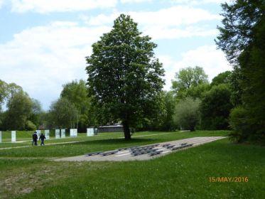 "Мемориал ""Хебертсхаузен"" (стрельбище СС ""Хебертсхаузен""): Федеральная земля Бавария, ФРГ."