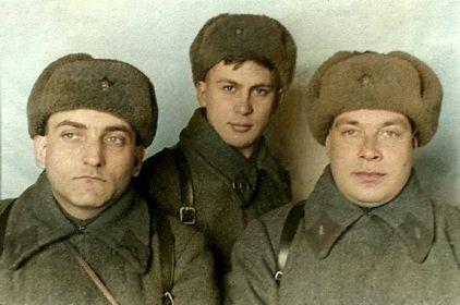 Слева-направо: комиссар батальона Шилайнер Ефим Борисович, зам.командира батальона Пак Юрий Ефимович, комбат Прокофьев Антон Григорьевич