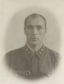Старший политрук (капитан) РАЗДУМИН В. М.