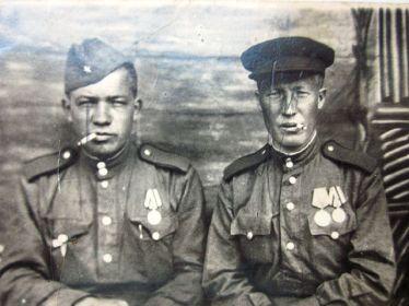 Андреев Николай Николаевич (справа)