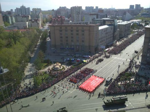 В Новосибирске Бессмертный полк собрал 240 тысяч благодарных потомков!