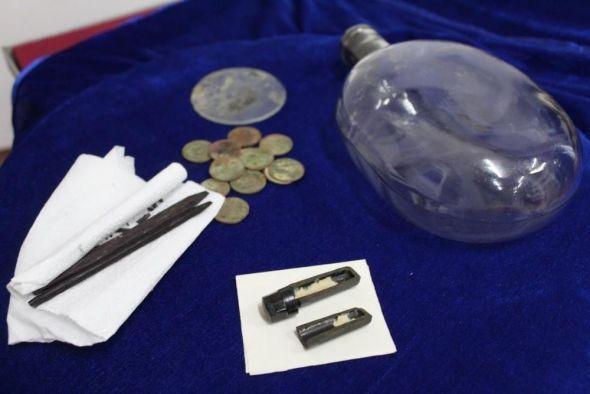 Поисковики передали музею Алчевска личные вещи красноармейца, погибшего под Смоленском
