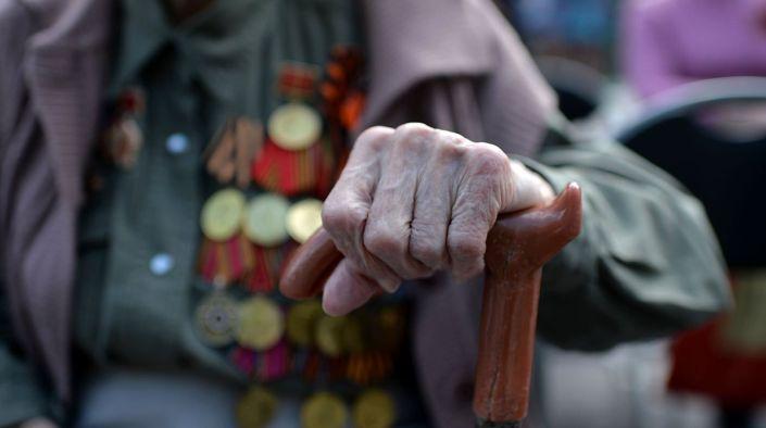 Ветеранам войны и тружениках тыла раздают «праздничные»