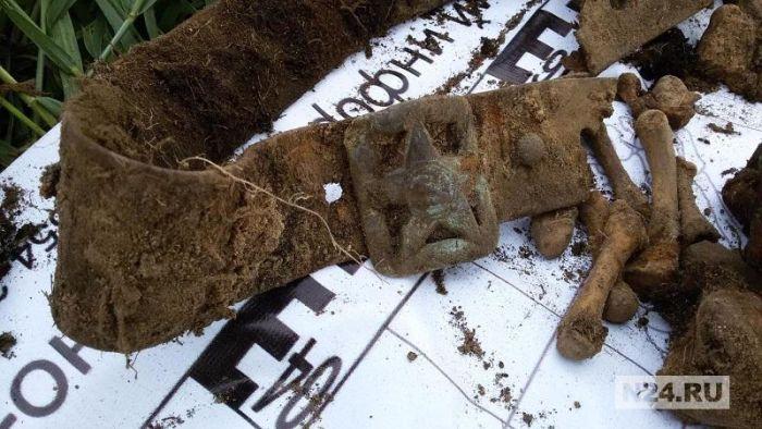 Поисковики ищут на Ямале родственников погибшего солдата