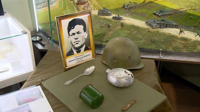Личные вещи погибшего красноармейца передали родным