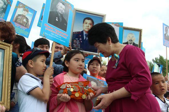 Кызылординцы пятый год подряд участвуют в марше «Бессмертного полка».