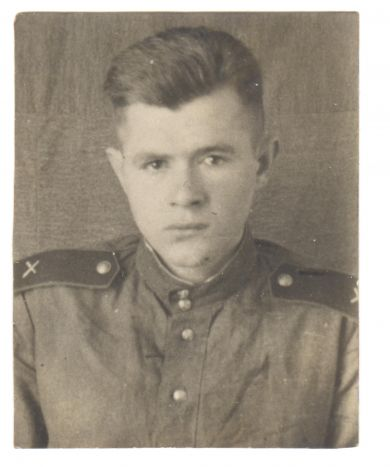 Петров Виктор Иванович