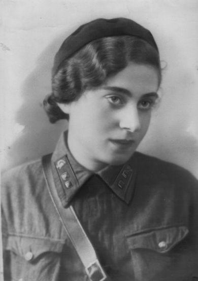 Черномырдина (Звонкина) Марина Наумовна