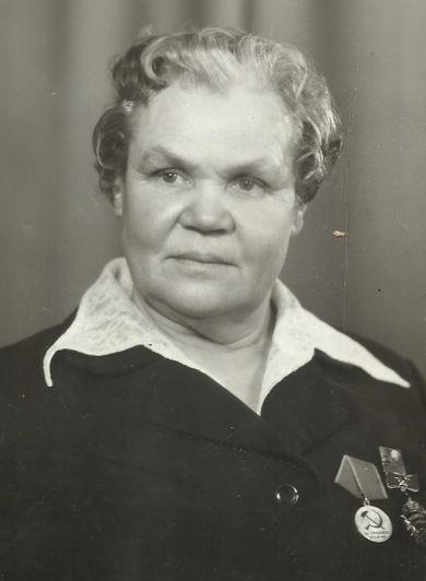 Голованова Александра Алексеевна                                  21.05.1919 - 03.09.1999