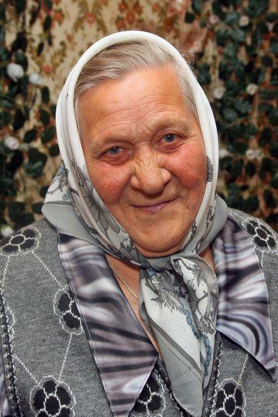Емельянова (в войну Калишникова) Прасковья Алексеевна