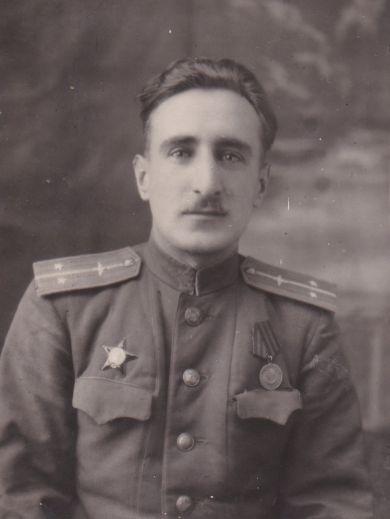 Карнаухов Юрий Никифорович