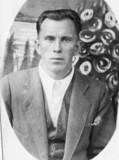 Азаров Виктор Захарович