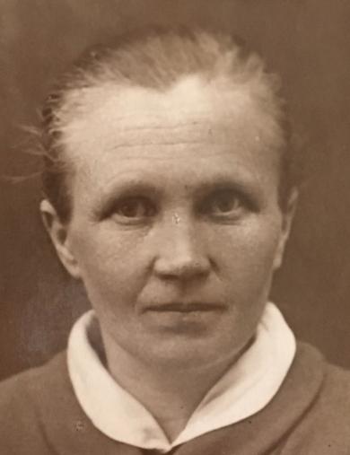 Тельчак (Заботина) Зинаида Степановна