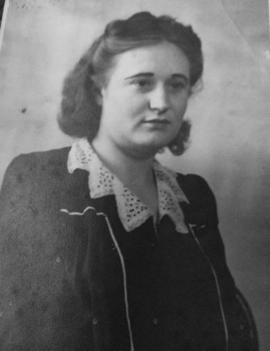 Дудинская (Бурлакова) Валентина Борисовна