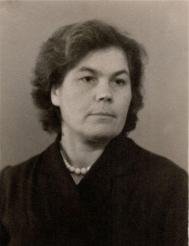 Яковлева (Васильева) Валентина Ивановна