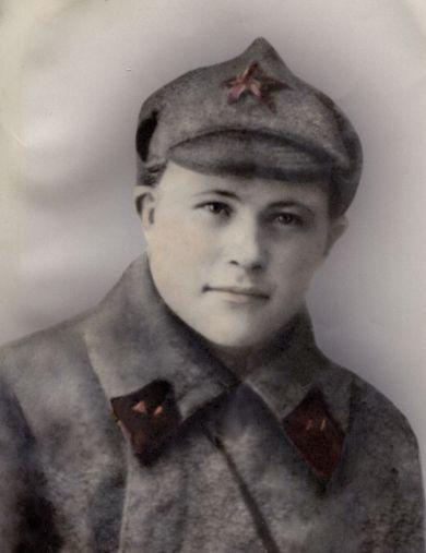 Новиков Максим Зиновьевич