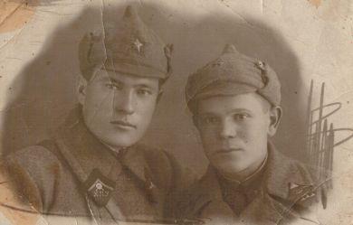 Кучин Александр Степанович (слева)