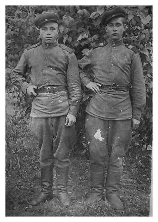 Ишмаметьев Алексей Архипович (слева)