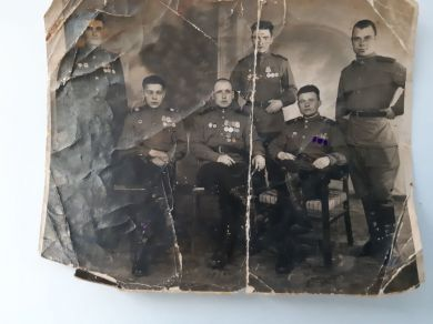 Таранцев Иван Павлович (крайний справа)