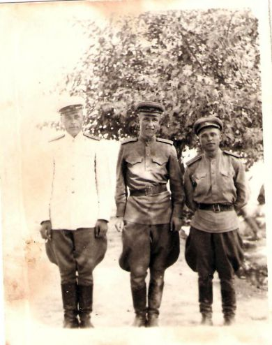 Офицеры 913 арт. полка